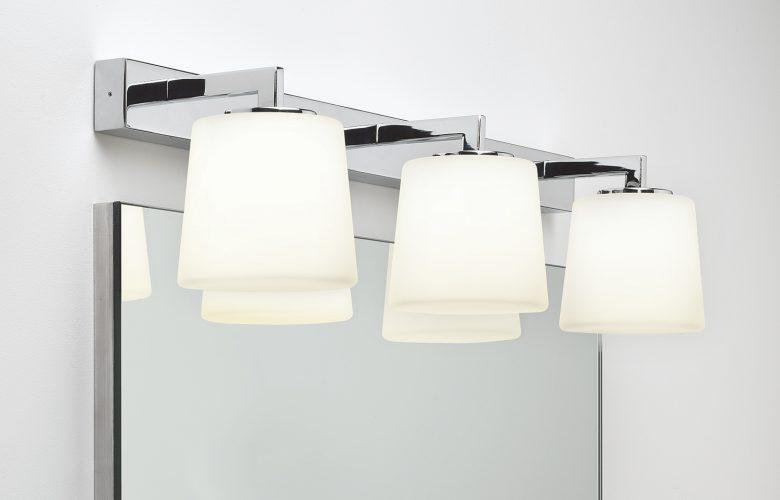 Badbeleuchtung-chrom-mit-Milchglasschirme