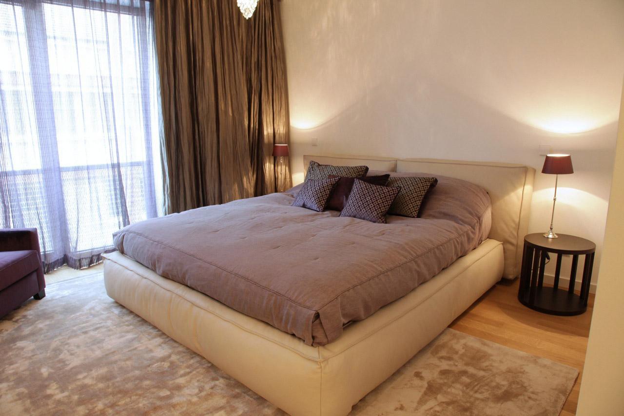lederbett decordesign. Black Bedroom Furniture Sets. Home Design Ideas